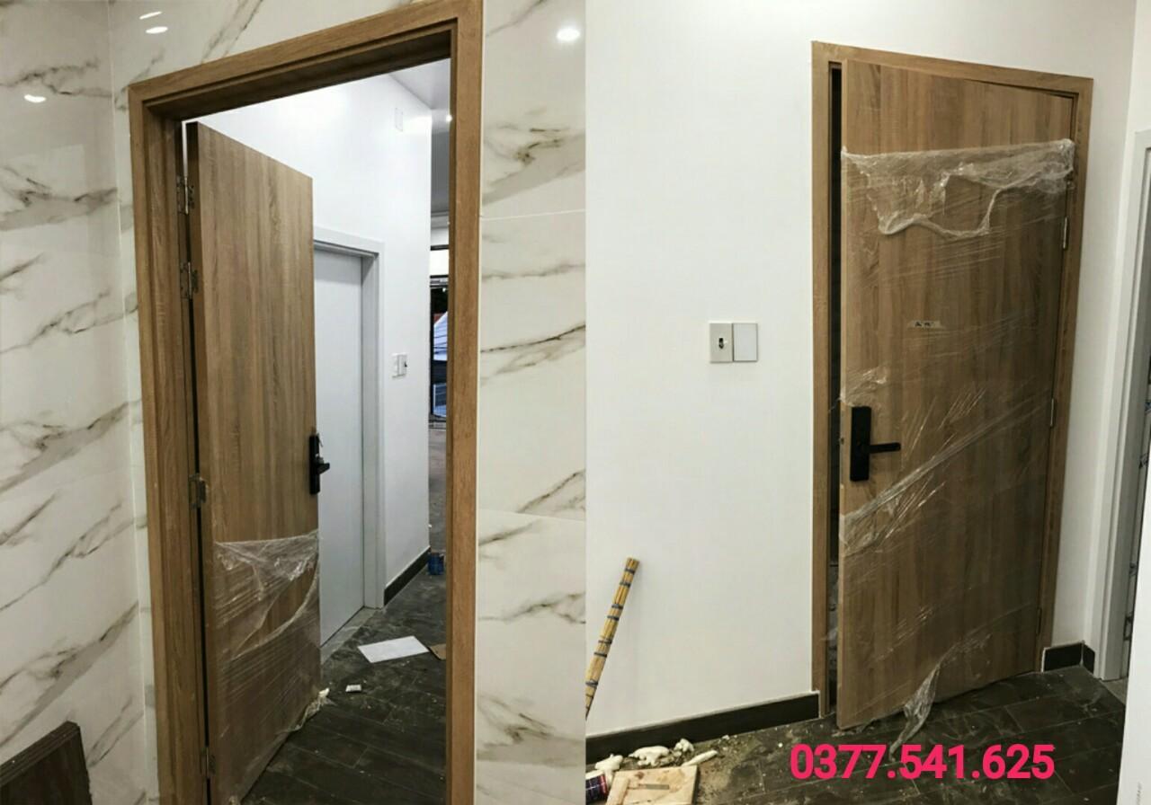 Mẫu cửa phòng chung cư đẹp và sang trọng